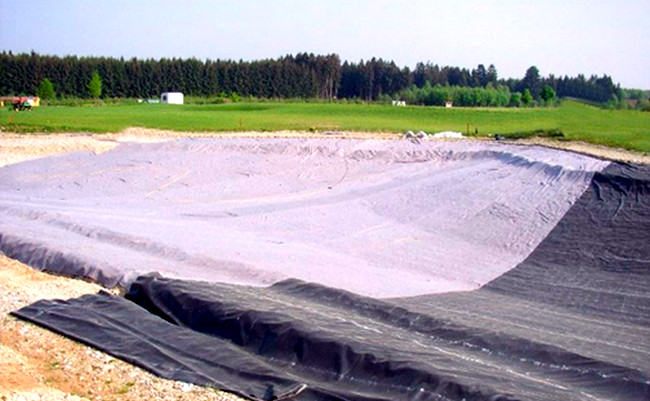 Гидроизоляция монолдитной плиты рубероидом  Фундамент дома из монолитной плиты gidroizolyaciya plity ruberoidom