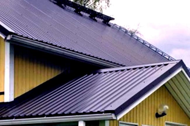 Крыша дома из профнастила