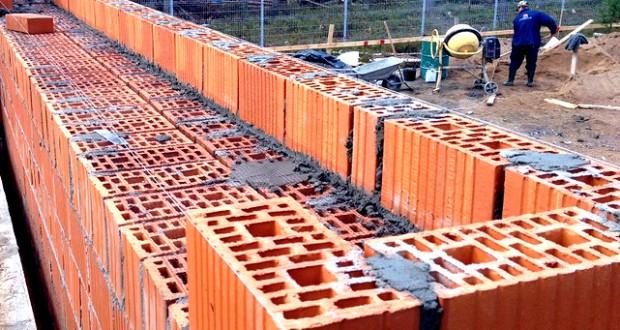 Стены из керамического кирпича